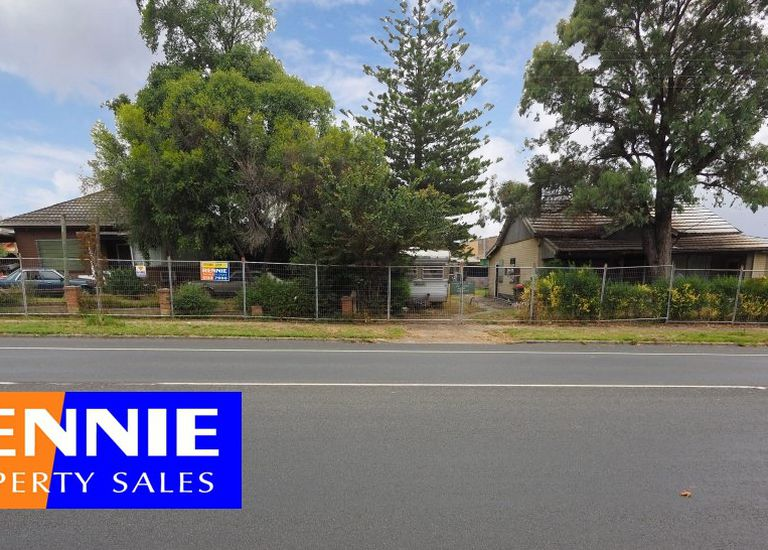 100-102 Commercial Road, Morwell