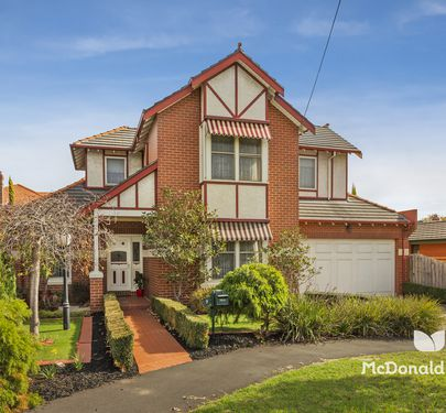 9 Loeman Street, Essendon