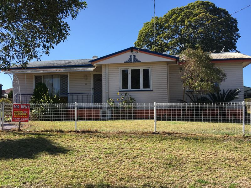 18 Waverley Street, North Toowoomba