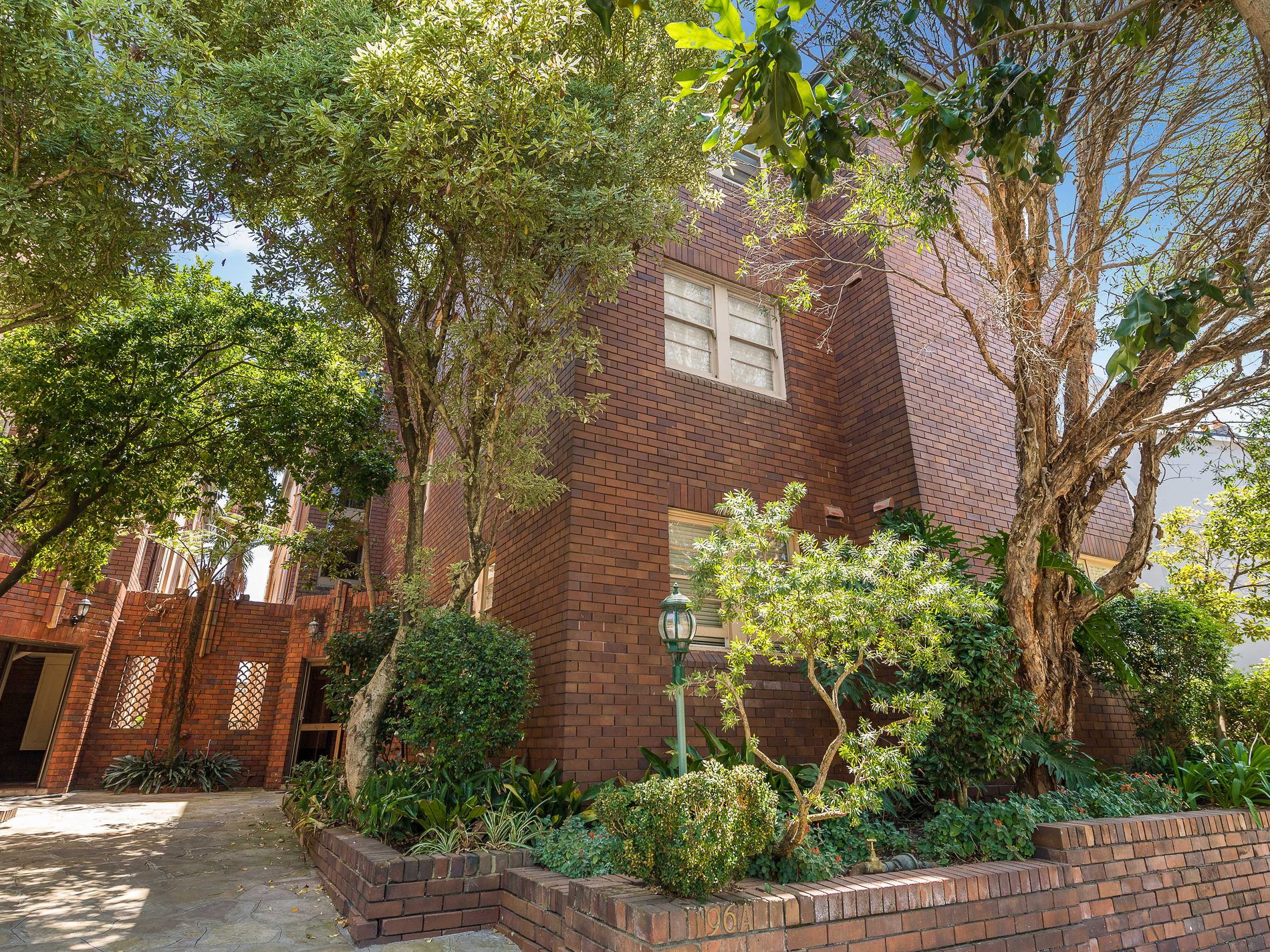 2 / 196a West Street, Crows Nest