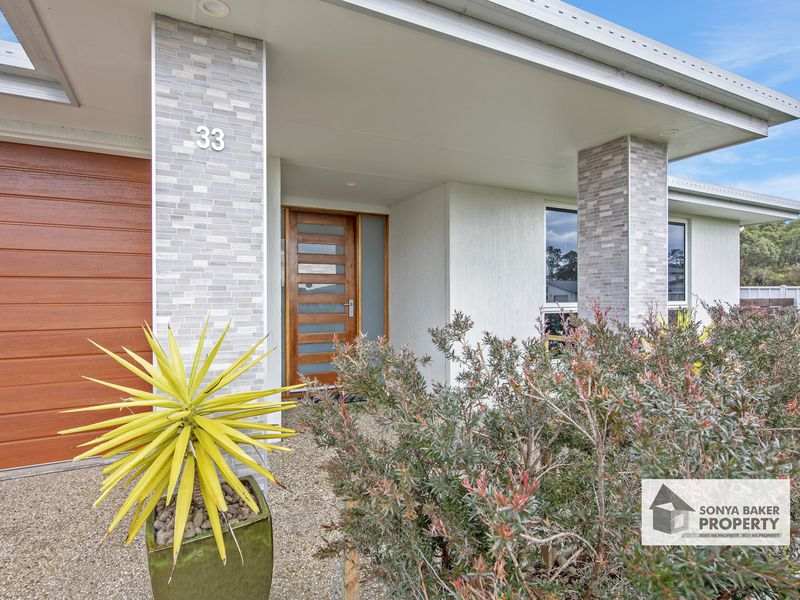 33 Serrata Crescent, Sisters Beach