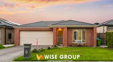 53 Chantenay Parade, Cranbourne North