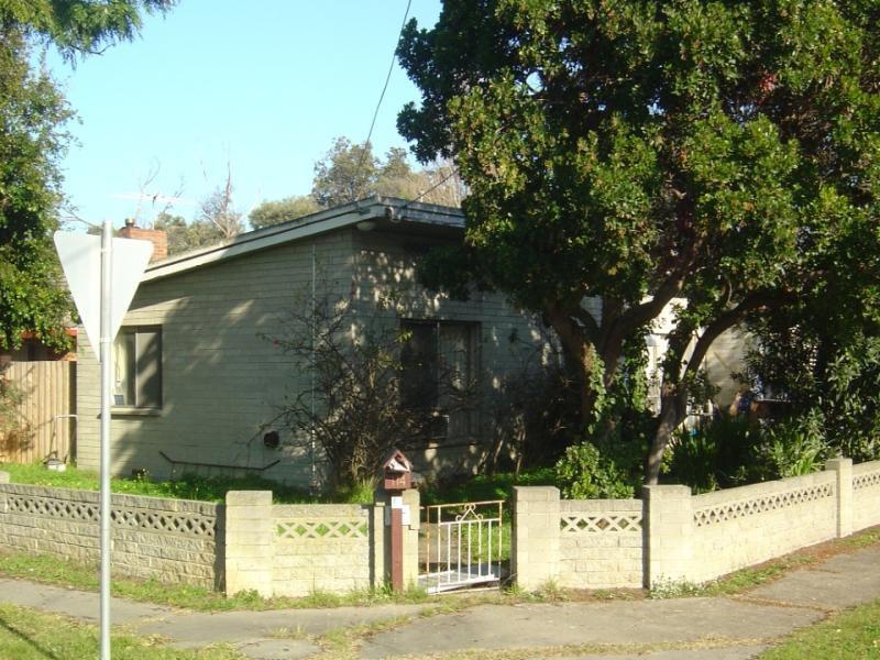 114 Kananook Avenue, Seaford