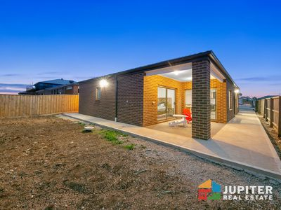 4 Dewberry Street, Manor Lakes