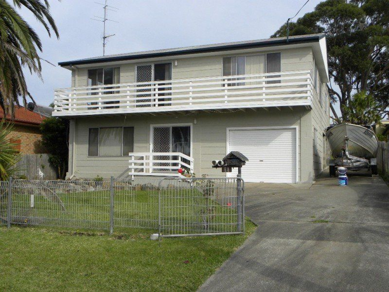 11 Blair Street, Old Erowal Bay