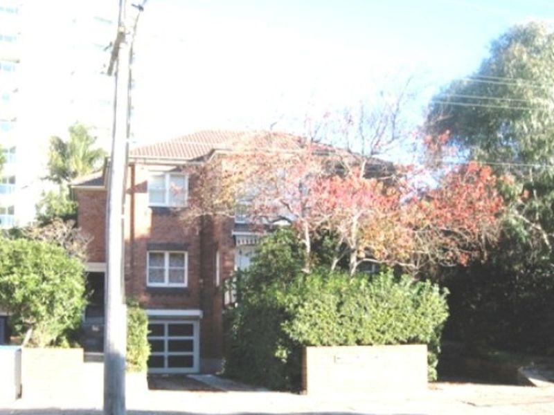 2 / 11 Bourke Street, North Wollongong