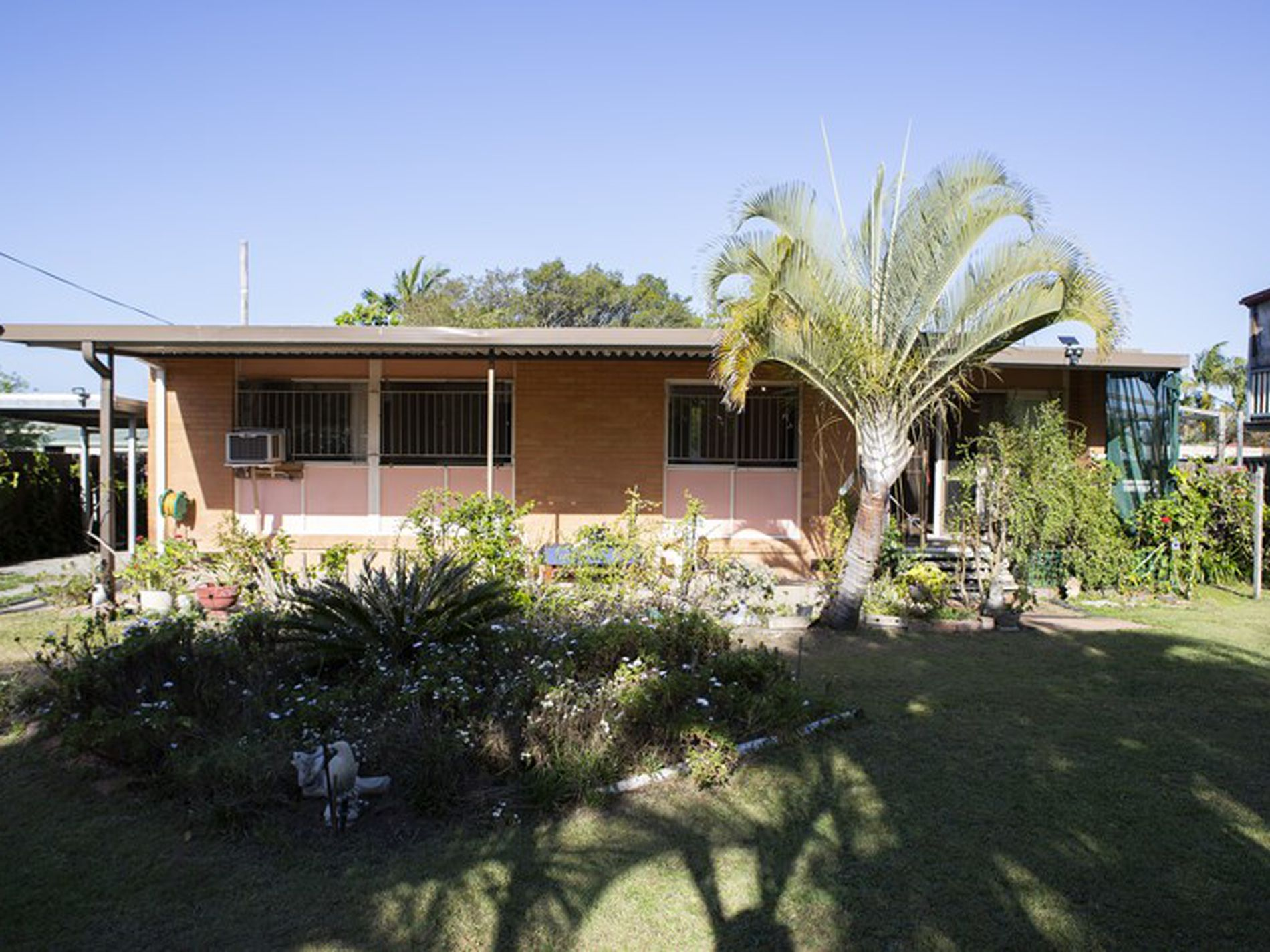24 Mayes Ave, Logan Central