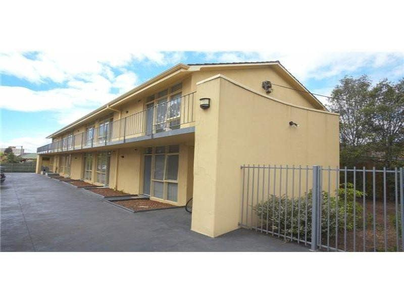 4 / 95-97 Summerhill Road, Footscray