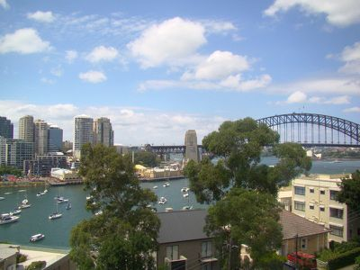 10 / 30 East Crescent Street, Mcmahons Point