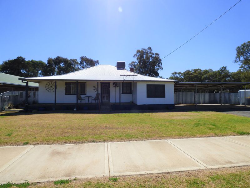 9 Demamiel Street, Darlington Point