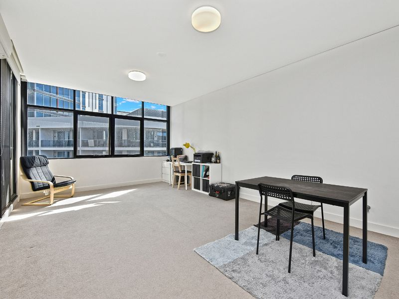 620 / 10 Half Street, Wentworth Point