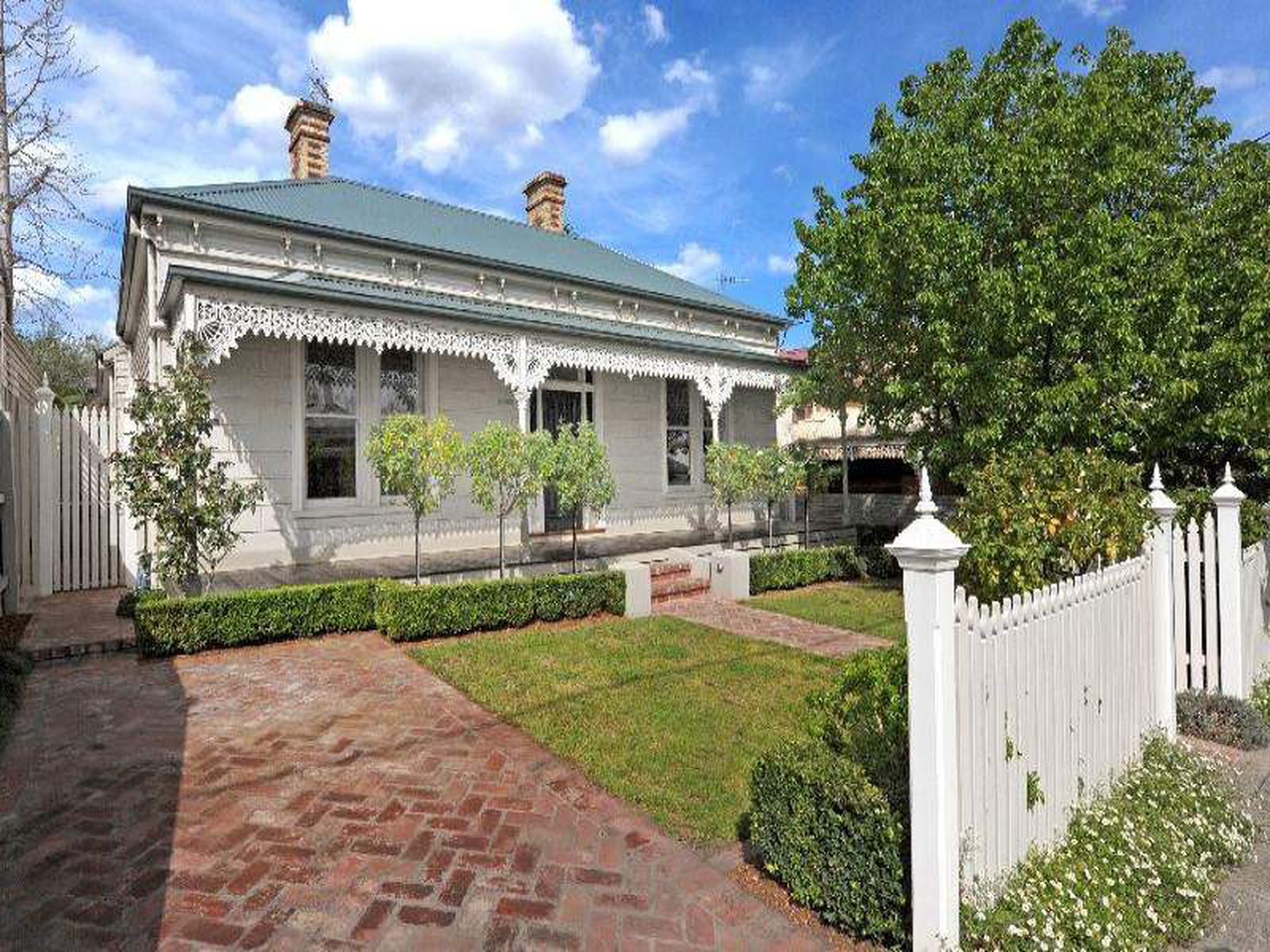 13 Gordon Avenue, Kew