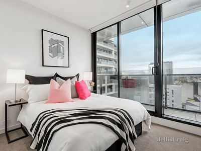 402/7  Claremont Street, South Yarra