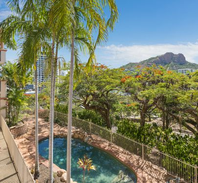 4 / 23 Willmett Street, Townsville City