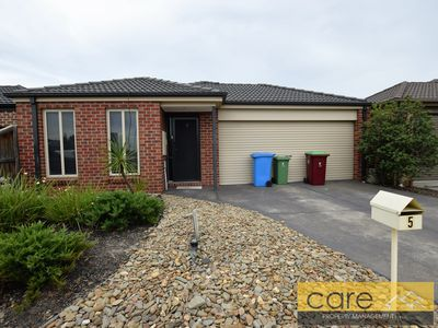 5 Tilly Place, Lynbrook