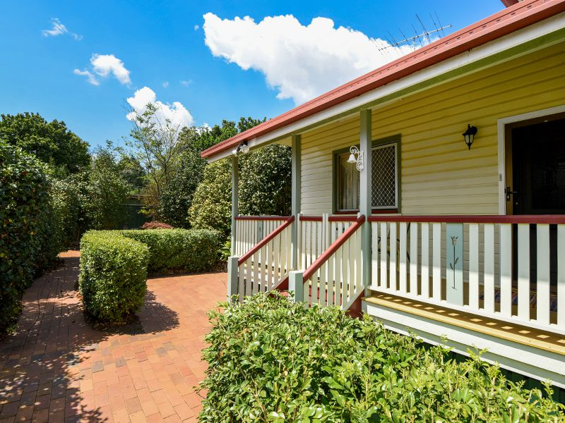 2 Stirling Street, East Toowoomba