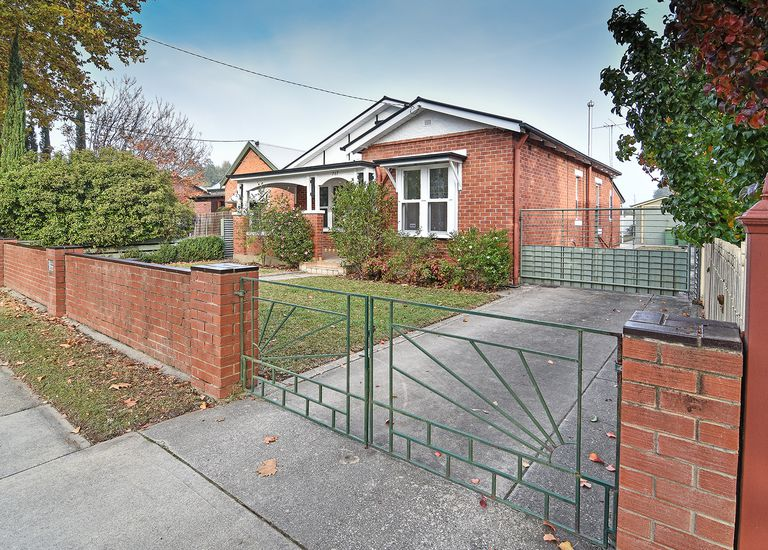 717 Young Street, Albury
