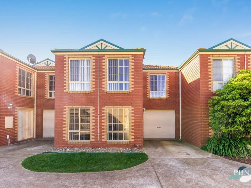4 / 9 Rivercoast Road, Werribee South