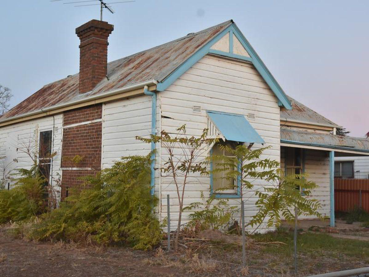 177 Deboos Street, Temora