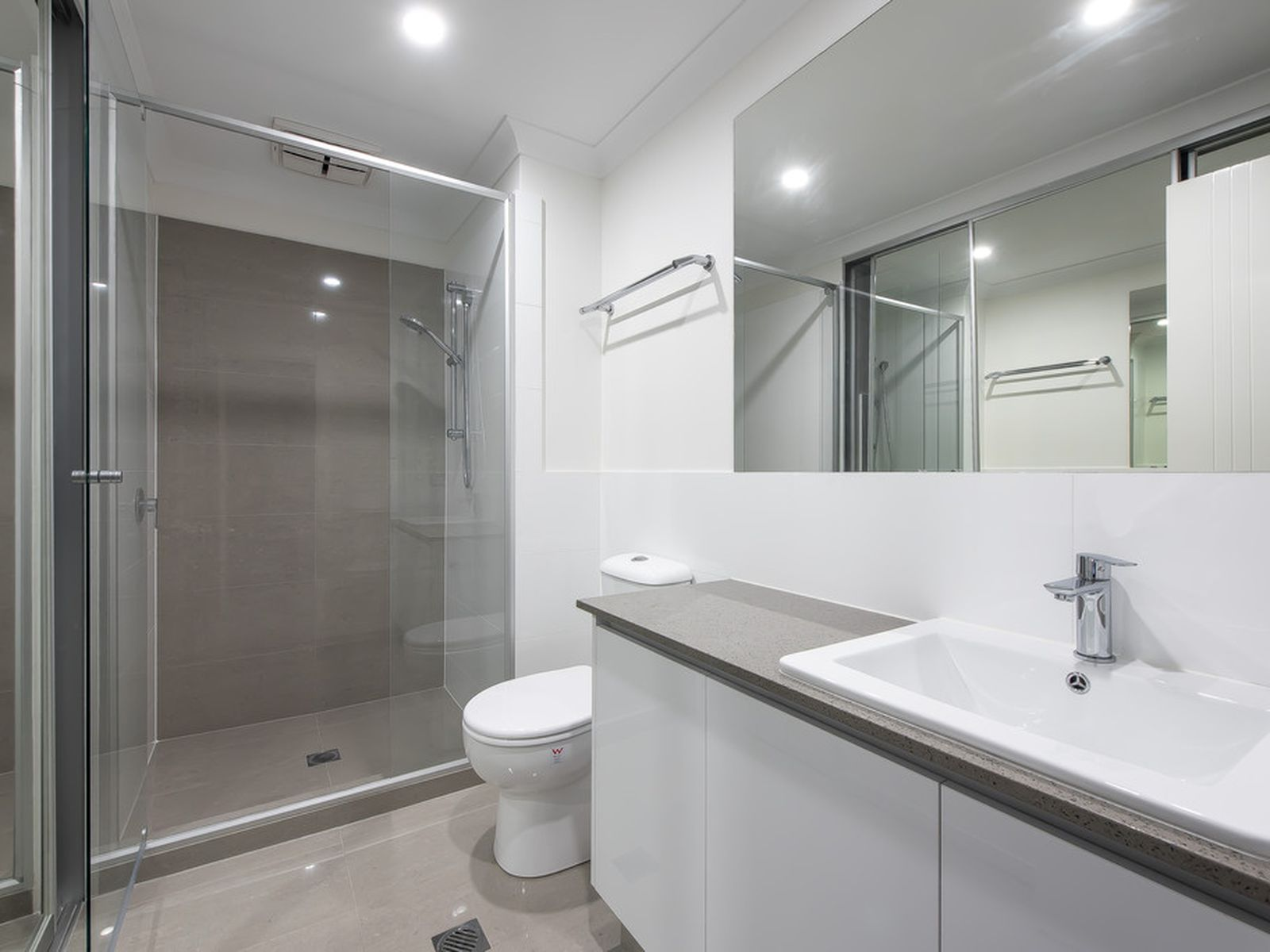 10/1 Liege St, Woodlands