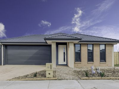 13 Vaughan Drive, Armstrong Creek