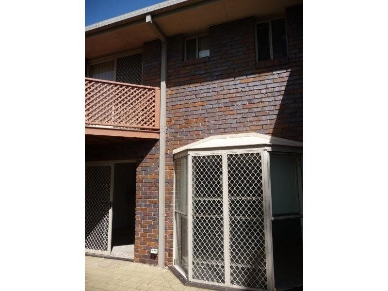 11 / 247 Herries Street, Toowoomba