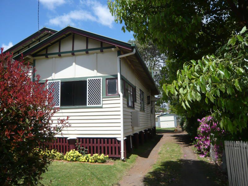 222 Long Street, South Toowoomba
