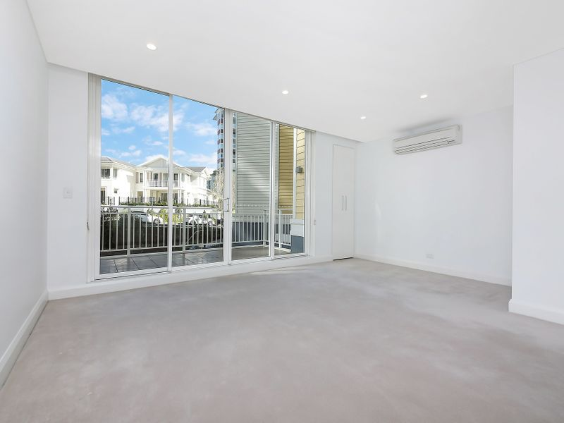 211 / 58 Peninsula Drive, Breakfast Point