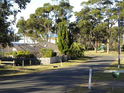 13 Lakeway Avenue, Berrara