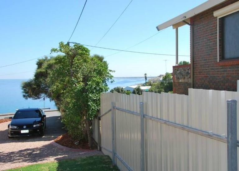 1B Fryer Street, Hallett Cove