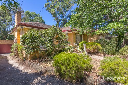 27 Deanswood Road, Forest Hill