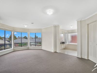 8 Teatree Terrace, Point Cook