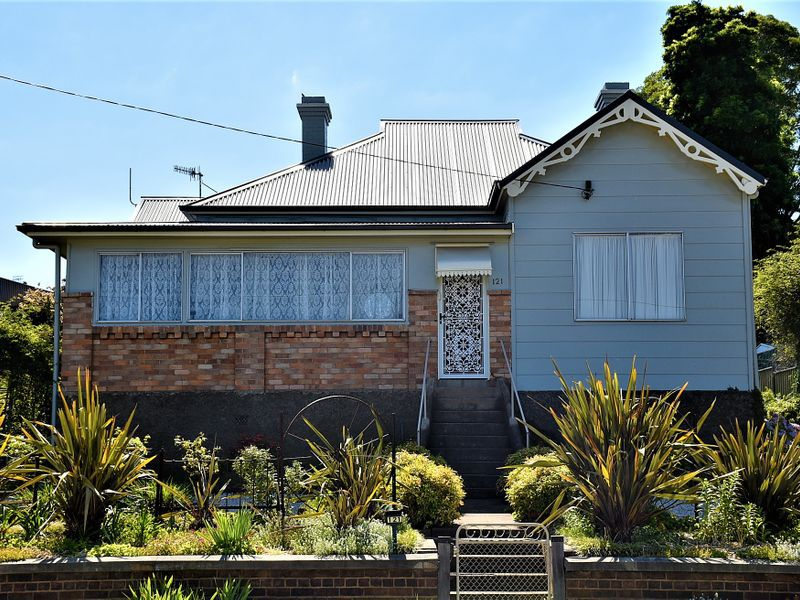 121 Church Street, Glen Innes