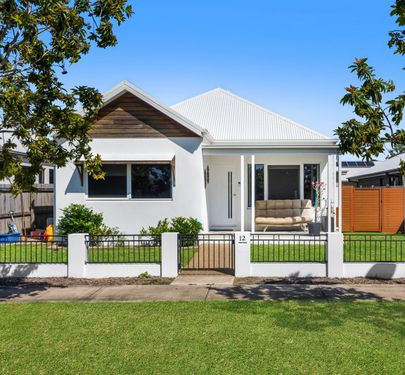 12 Greater Ascot Avenue, Shaw