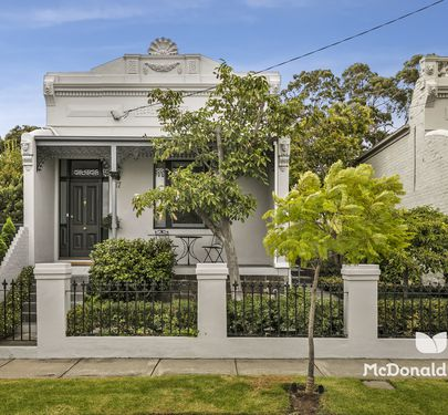 17 Robb Street, Essendon