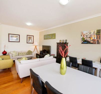 3 / 228 Buckley Street, Essendon