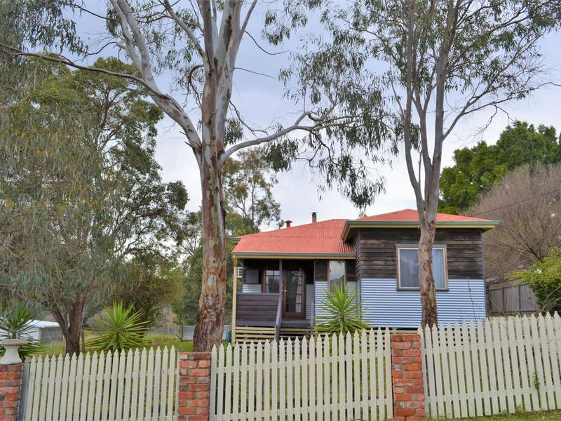 19 Dunnet Road, Nannup