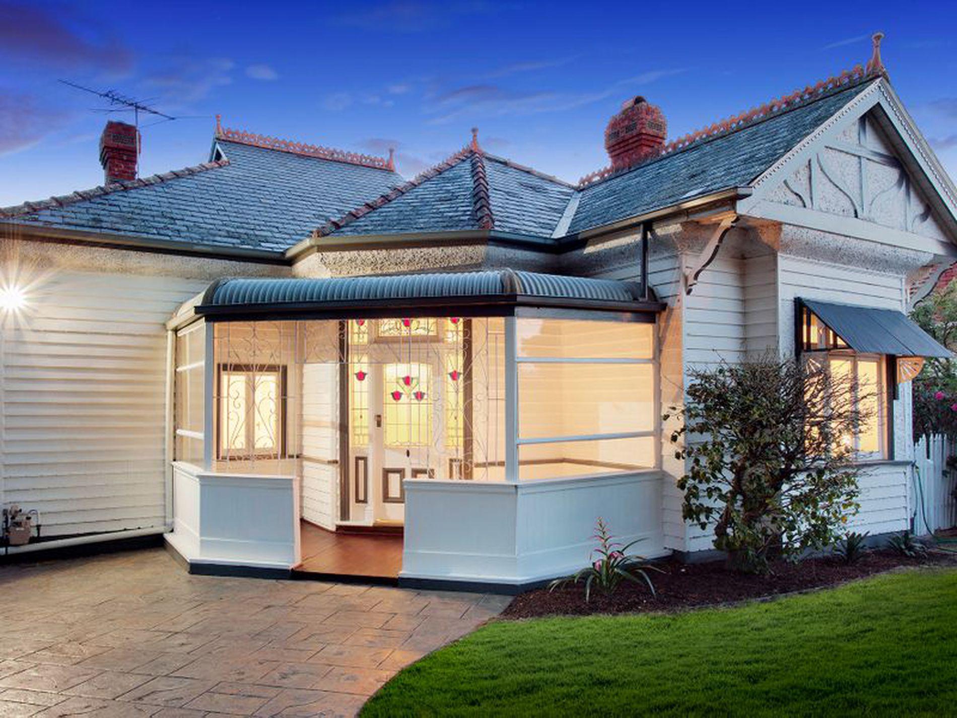 202 Kangaroo Road, Hughesdale