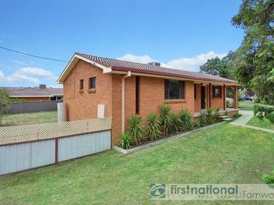 142 Duri Road, South Tamworth