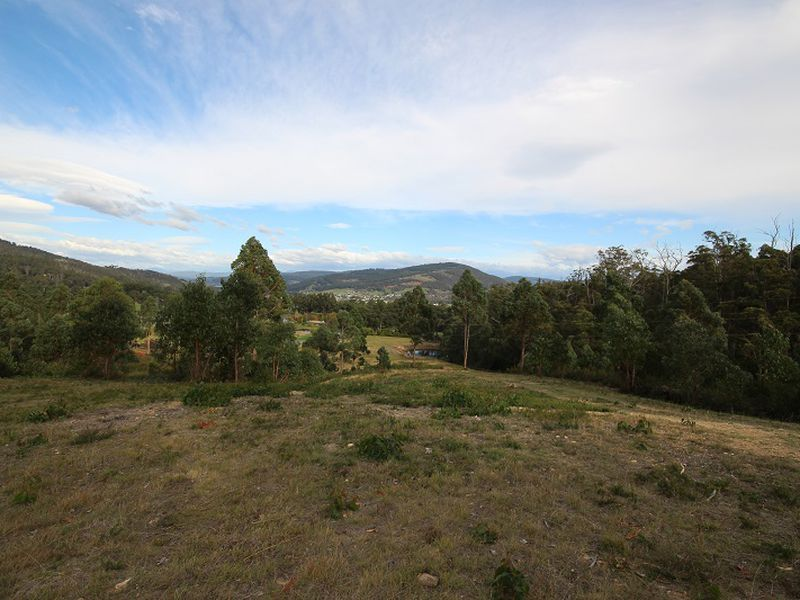 71  Snowy View Heights , Huonville