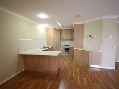 5 Prestwick Place, West Wodonga