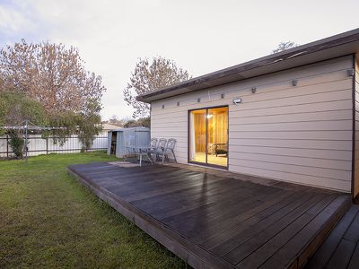 356 HONOUR AVENUE, Corowa