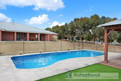 8 CASUARINA DRIVE, North Tamworth