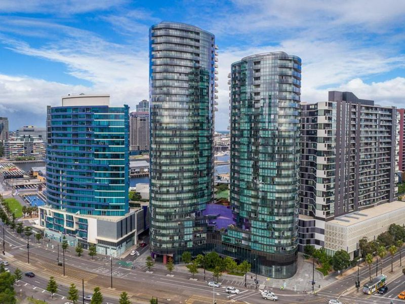 2502 / 241 HARBOUR ESPLANADE, Docklands