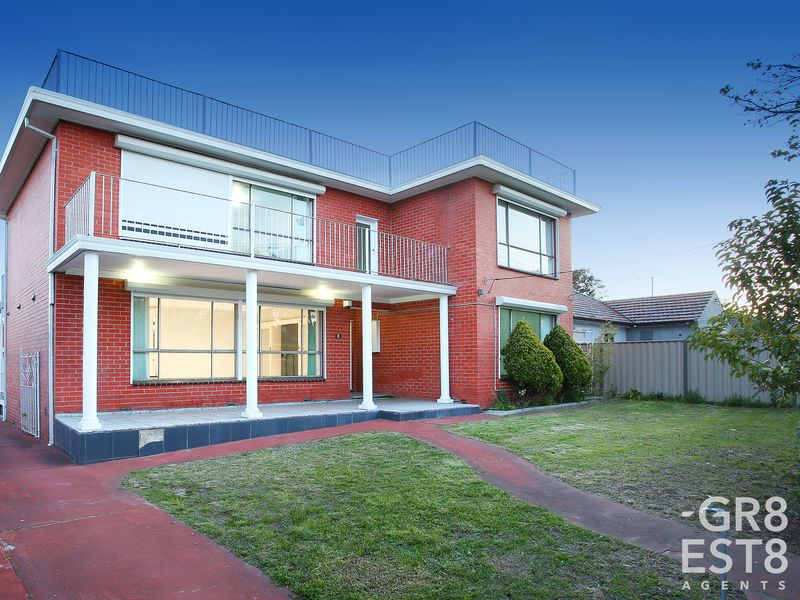 8 Lockington Crescent, Dandenong