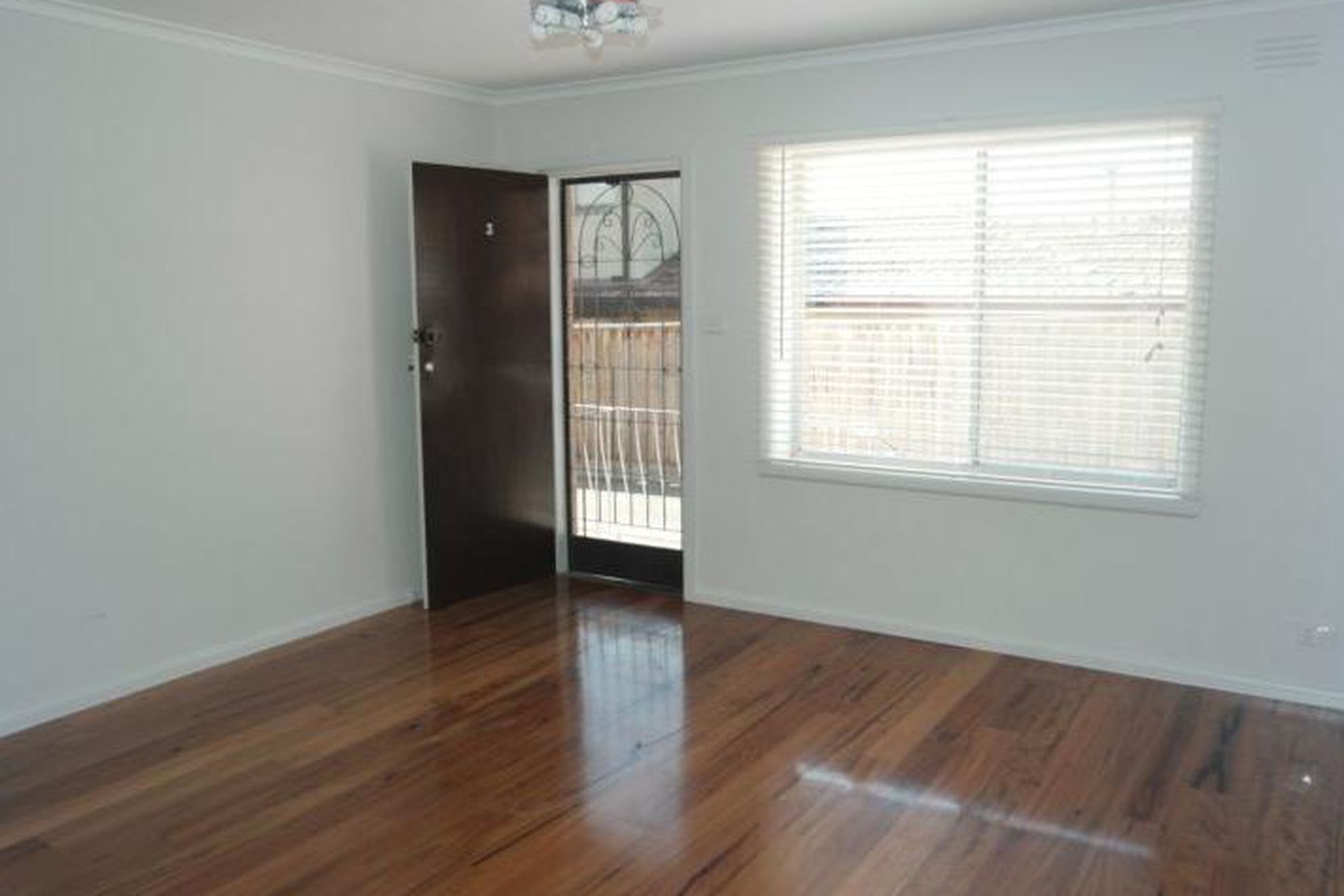 3 / 11 Tweedside Street, Essendon