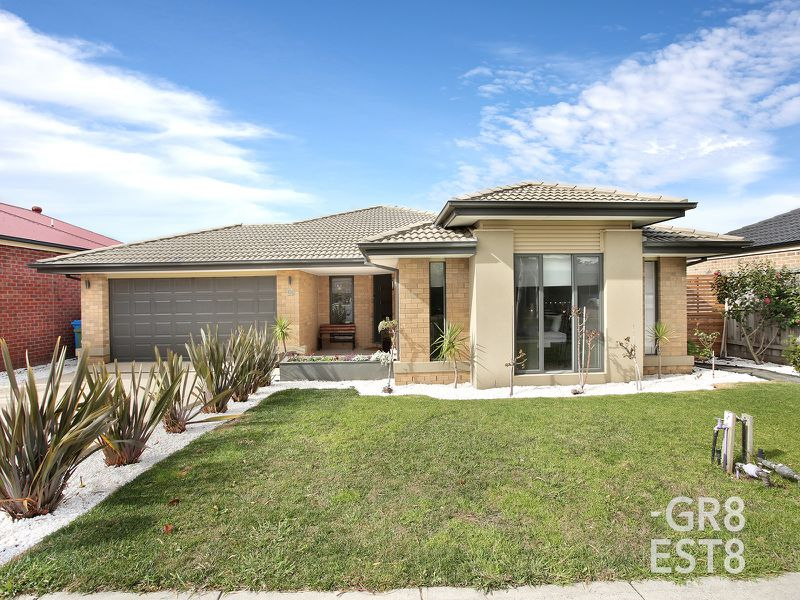 18 Flash Dan Drive, Cranbourne East