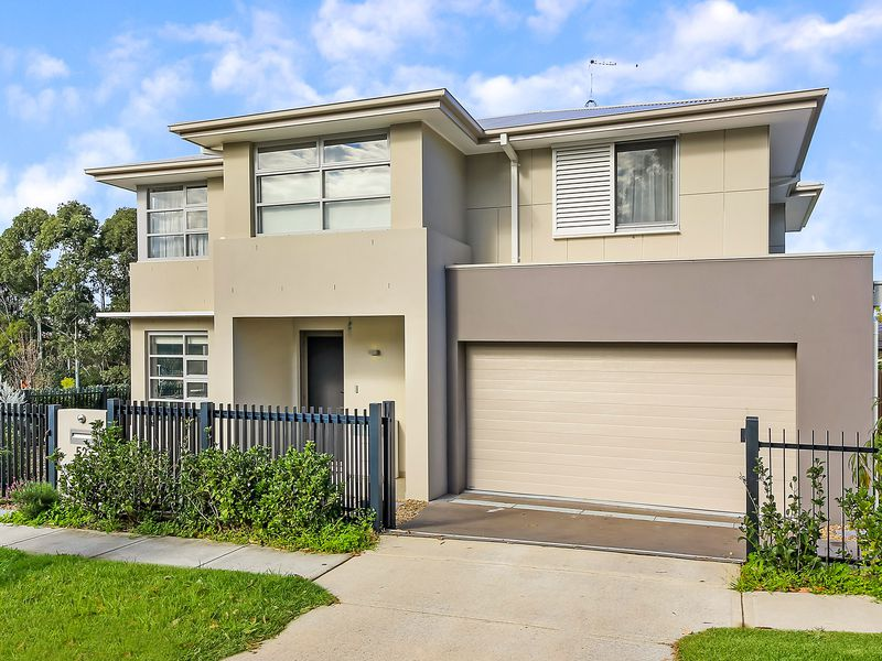 .52. Mowbray Place, Willoughby