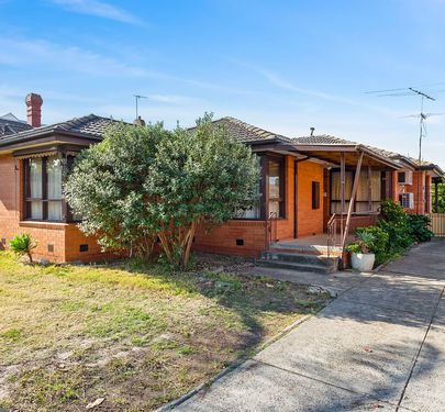10 Lincoln Road, Essendon