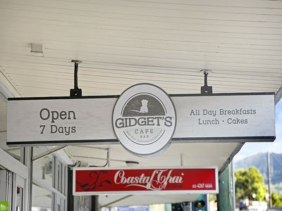 Gidget's Cafe - Stylish Licensed Cafe